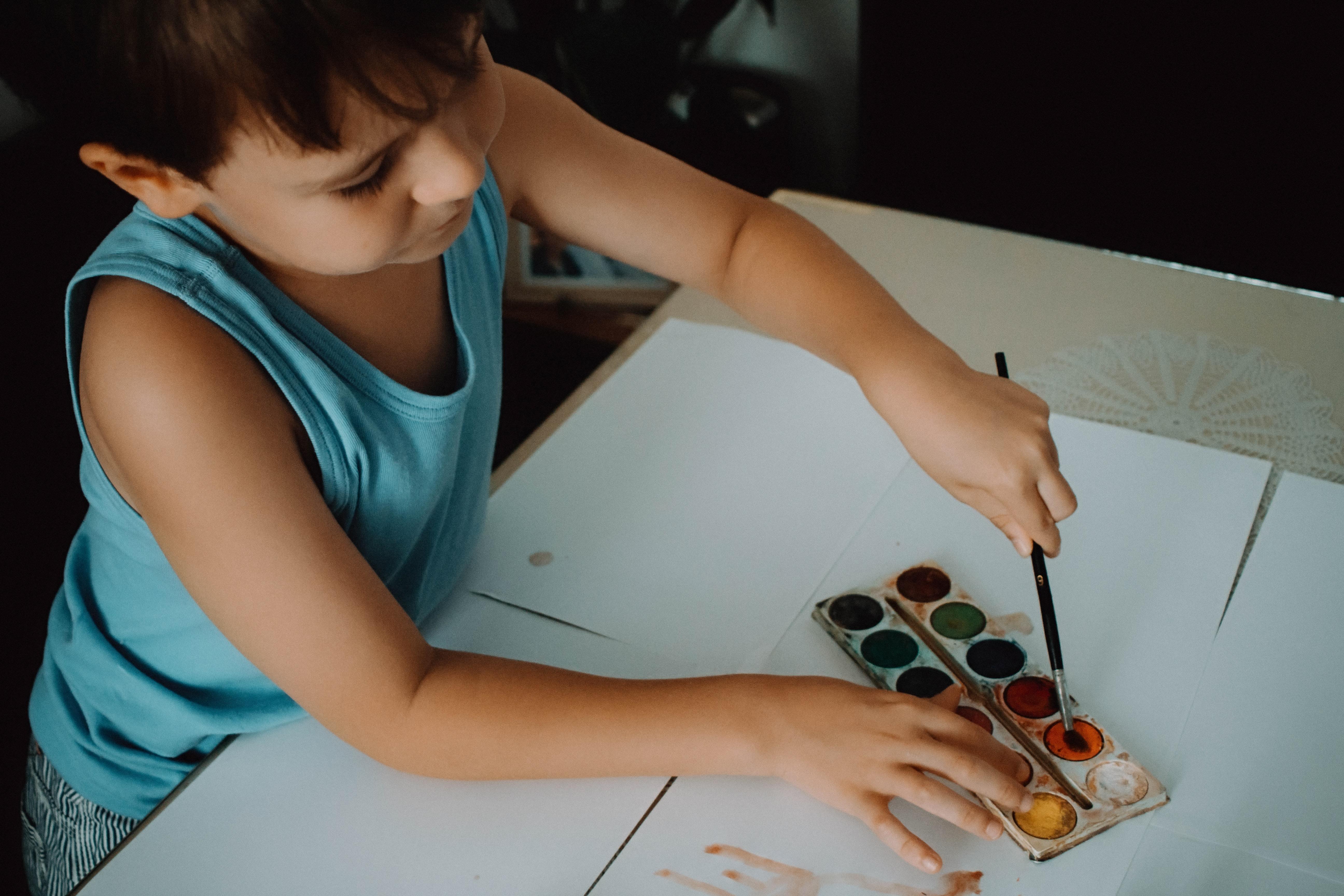 Una ventana al mundo: los niños dan color a la esperanza