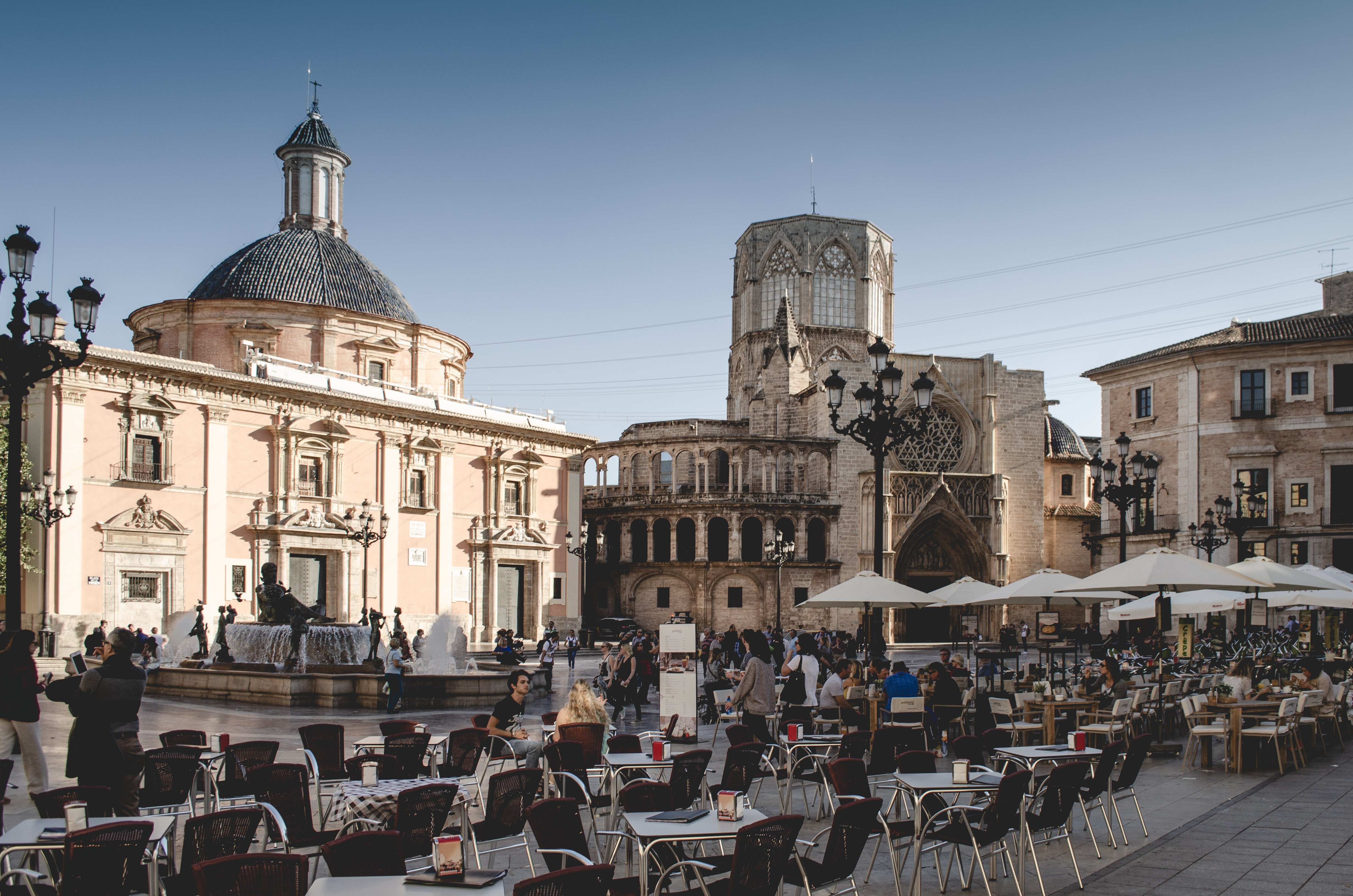 Los turistas vuelven a España, pero el sector prevé una tímida recuperación